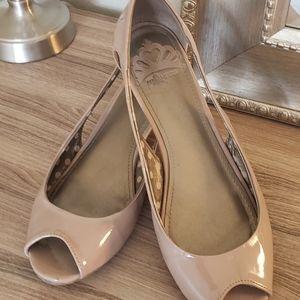 👡 Fergalicious Patent Shoes 👡: Cream/Beige